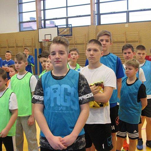 Turniej ministrantów w piłkę halową w rejonie kamieńskim