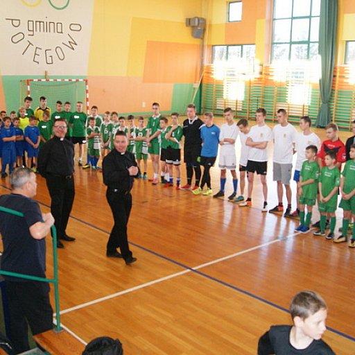 Turniej w piłkę halową w dekanacie główczyckim